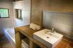 Ferndale luxury cottages bathroom