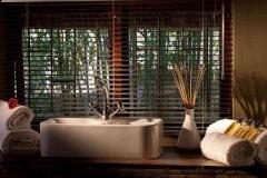 luxury cottages randburg bathroom